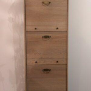 Meuble de rangement 100% chêne massif – 3 portes abattantes 1 tiroir
