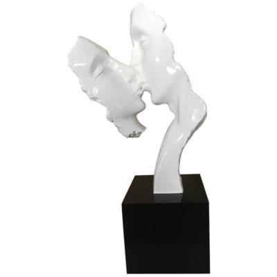statue-sculpture-deco-meubles-Gibaud-femme-homme-couple-baiser-bouche-cou-moderne-clasique-contemporain-déco-visages-socle-noir-decoration-intérieur-original-décalé