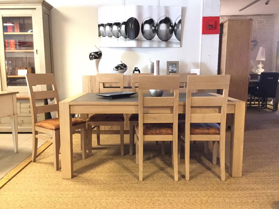 Salle manger contemporaine ch ne et c ramique forest for Meuble sejour contemporain chene