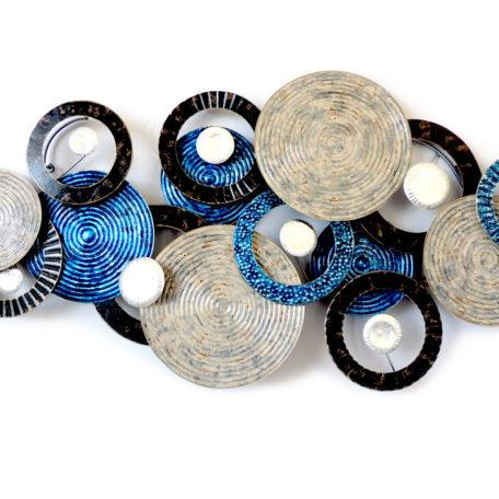Sculpture-murale-disques-bleus