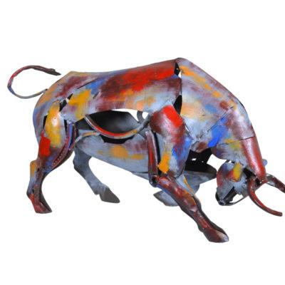 statue-taureau-metal-pigment-couleur