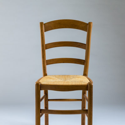 chaise-bois-rustique-paysanne-style-campagnard-chene-assise-paille-lelievre-fabrication-francaise-meubles-gibaud-nord