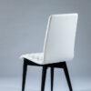 chaise coque tissu blanc matelasse