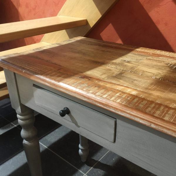 Console 2 tiroirs en bois de manguier - pieds tournes gris. PRIX DESTOCKAGE : 258 € au lieu de 369 € !